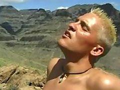 Gay rock climbers do oral-service